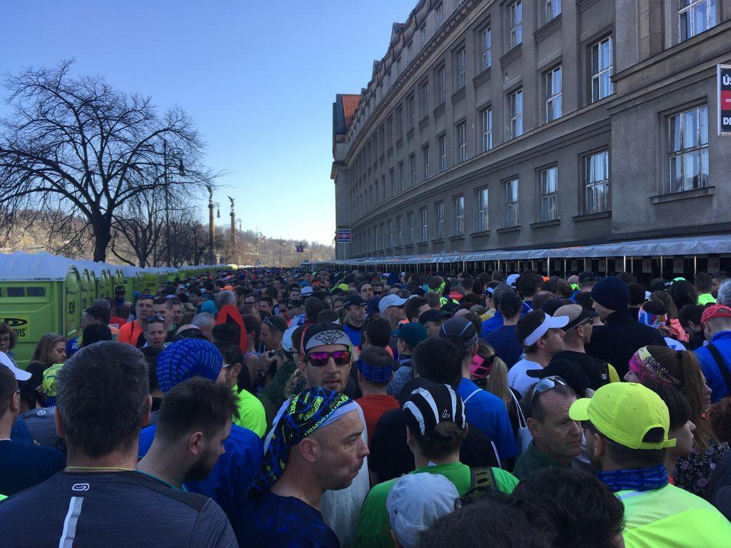 Prága félmaraton tömeg
