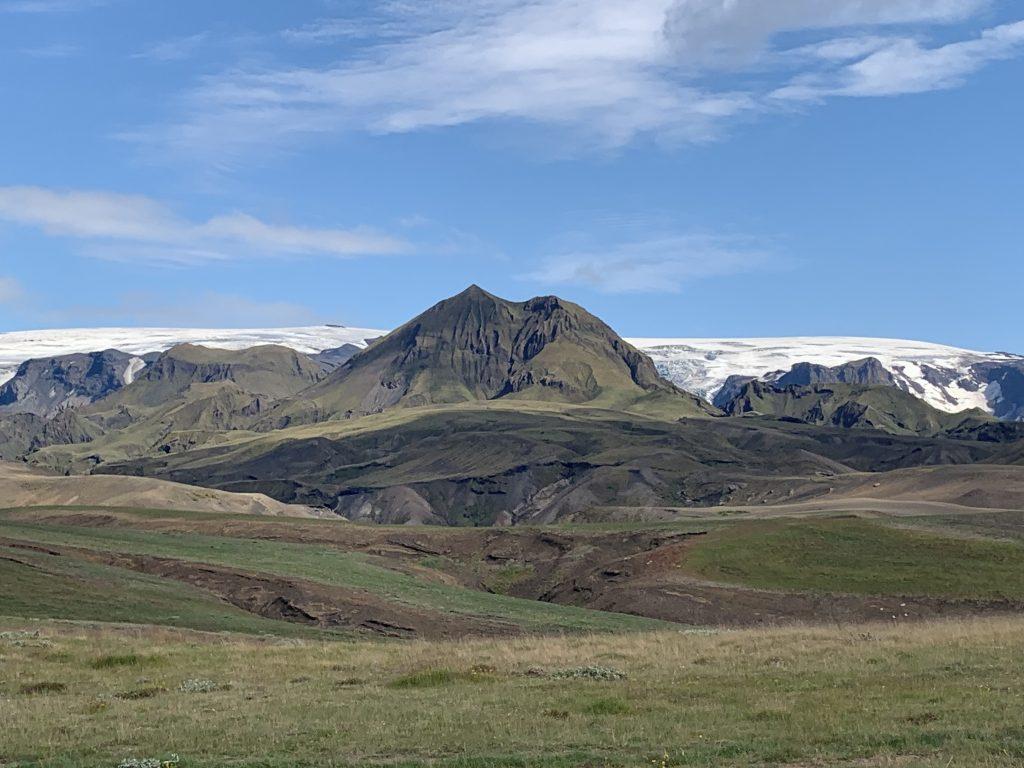 Laugavegur Ultra Marathon kilátás a hegy tetejéről